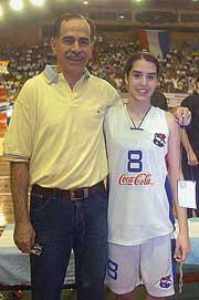 Claudia junto-a-ito-su padre