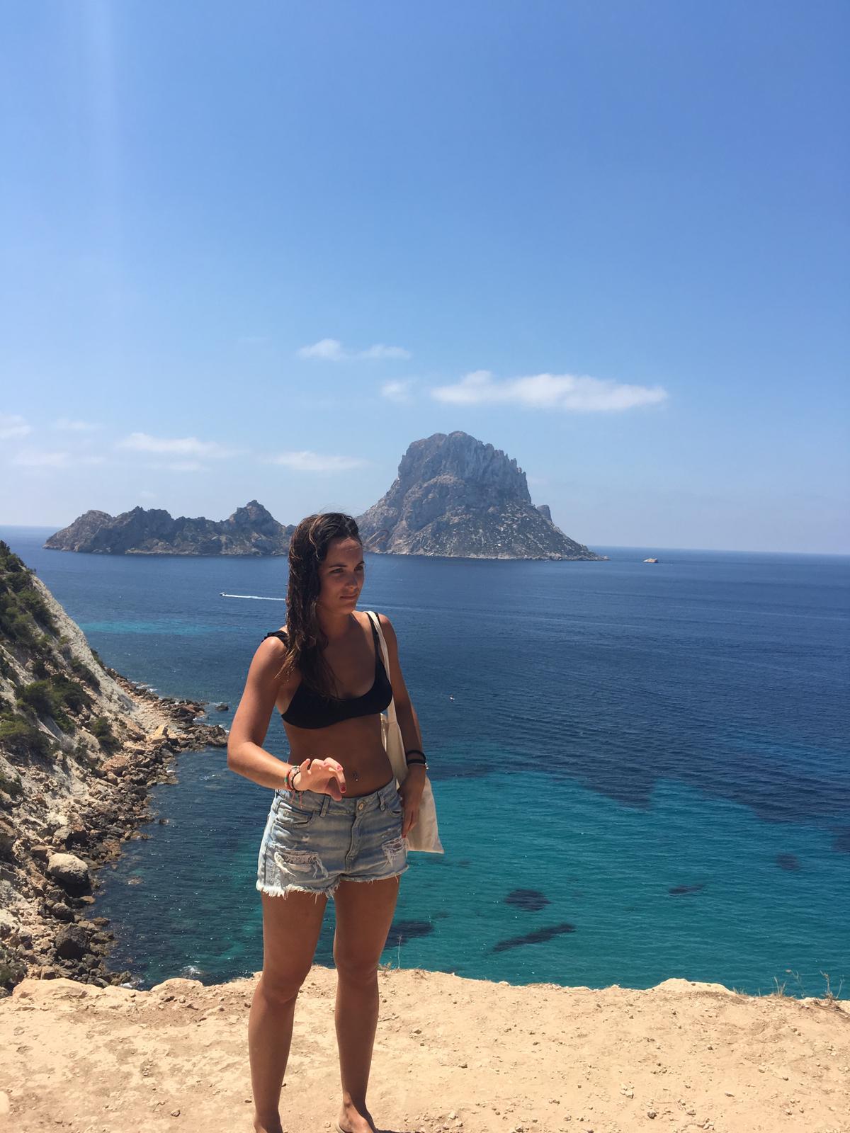 e4049bbb-aa4d-4b61-En Ibiza