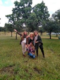 madre y hermanas